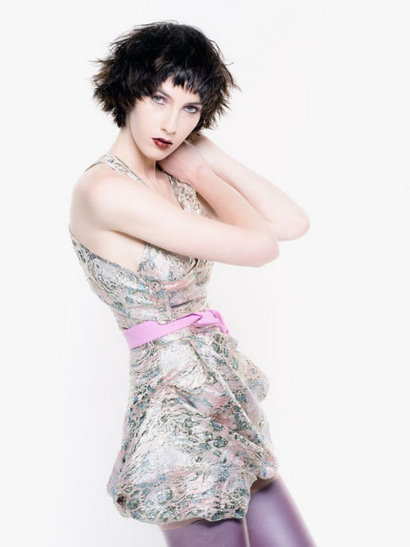 Фото на тему технология выполнения окрашивания волос осветляющие или обесцвечивающие красители.