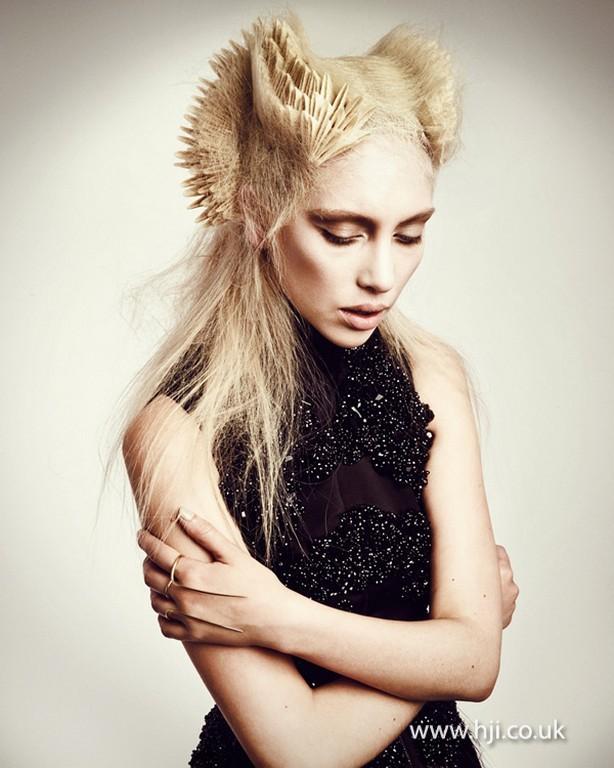 Великобритания Авангардный парикмахер 2013  Hairtrend